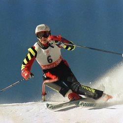 Blanca Fernández Ochoa durante una competición esquiando