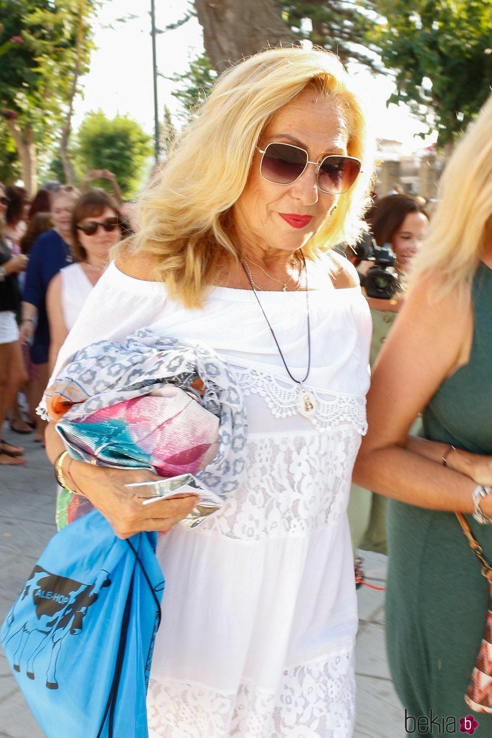 Rosa Benito acudiendo a la procesión de la Virgen de Regla