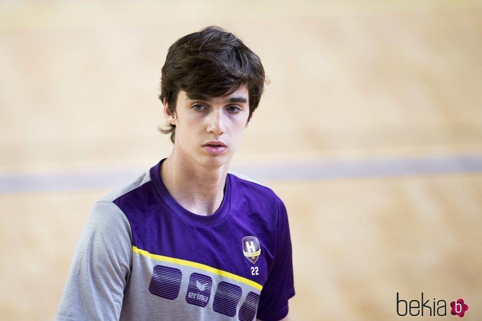 Pablo Urdangarin, muy serio en su debut en su nuevo equipo de balonmano