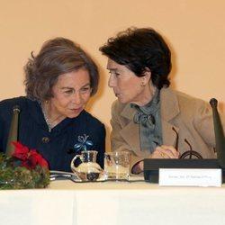 La Reina Sofía y Paloma O'Shea en una reunión de la Escuela Superior de Música Reina Sofía