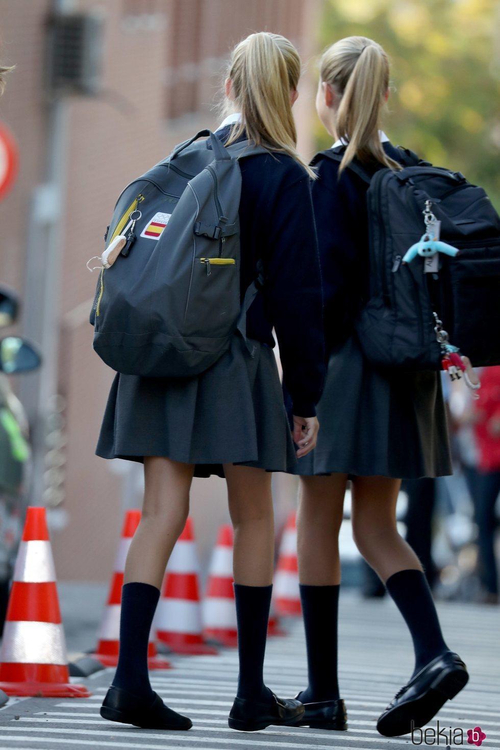 La Princesa Leonor y la Infanta Sofía con sus mochilas en la vuelta al cole 2019/2020