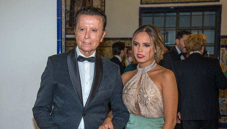Gloria Camila Ortega con su padre José Ortega Cano en los Premios Escaparate 2019