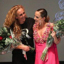 Rocío Carrasco, muy emocionada con Anabel Dueñas en el estreno de 'Qué no daría yo por ser Rocío Jurado'