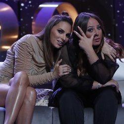 Rocío Flores llorando e Irene Rosales consolándola en la primera gala de 'Límite 48 horas'
