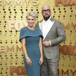 Chris Sullivan y Rachel Sullivan en los Emmy 2019