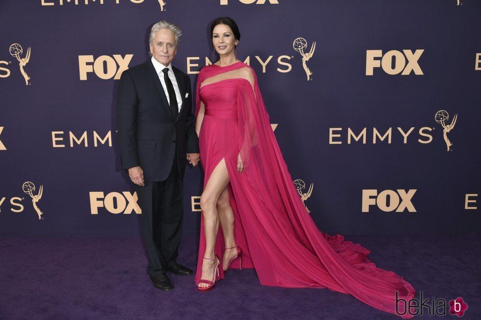 Catherine Zeta Jones y Michael Douglas en los Emmy 2019