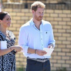 Los Duques de Sussex, muy felices en su viaje oficial en Sudáfrica
