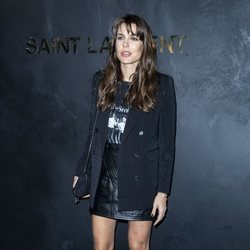 Carlota Casiraghi en un desfile de Saint Laurent en la Paris Fashion Week