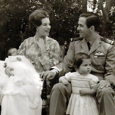 Constantino y Ana María de Grecia con sus hijos Alexia y Pablo cuando eran pequeños