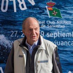 El Rey Juan Carlos durante su reaparición en Sanxenxo tras su intervención de corazón