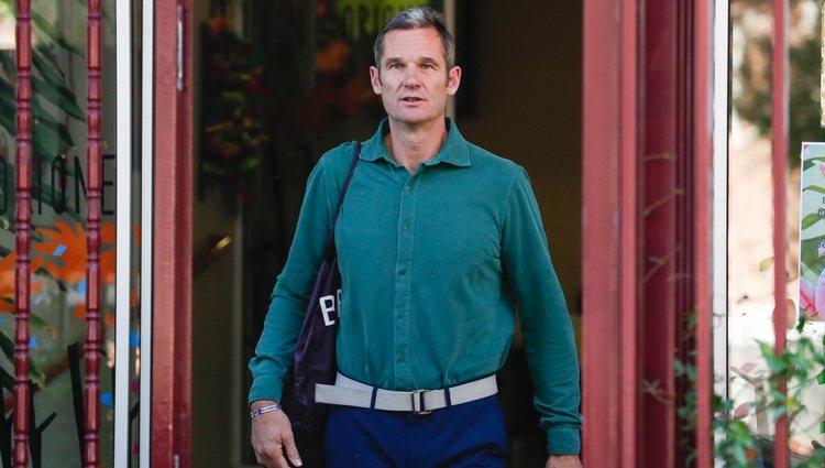 Iñaki Urdangarin con camisa verde en su cuarto día de voluntariado