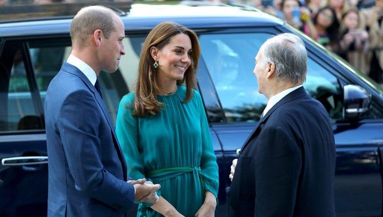 El Príncipe Guillermo y Kate Middleton con el Aga Khan IV