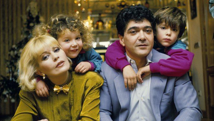 Bárbara Rey con su familia