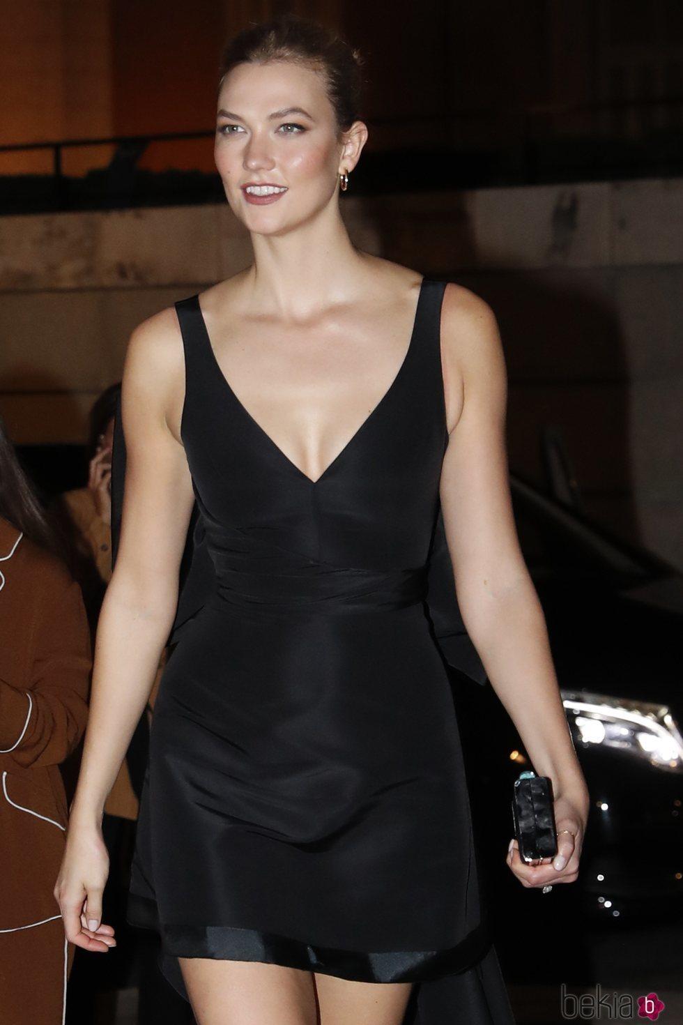 Karlie Kloss en la cena de gala de Carolina Herrera en el Museo del Prado