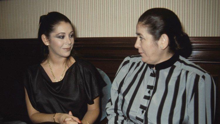 Isabel Pantoja y su madre, Doña Ana, hace años
