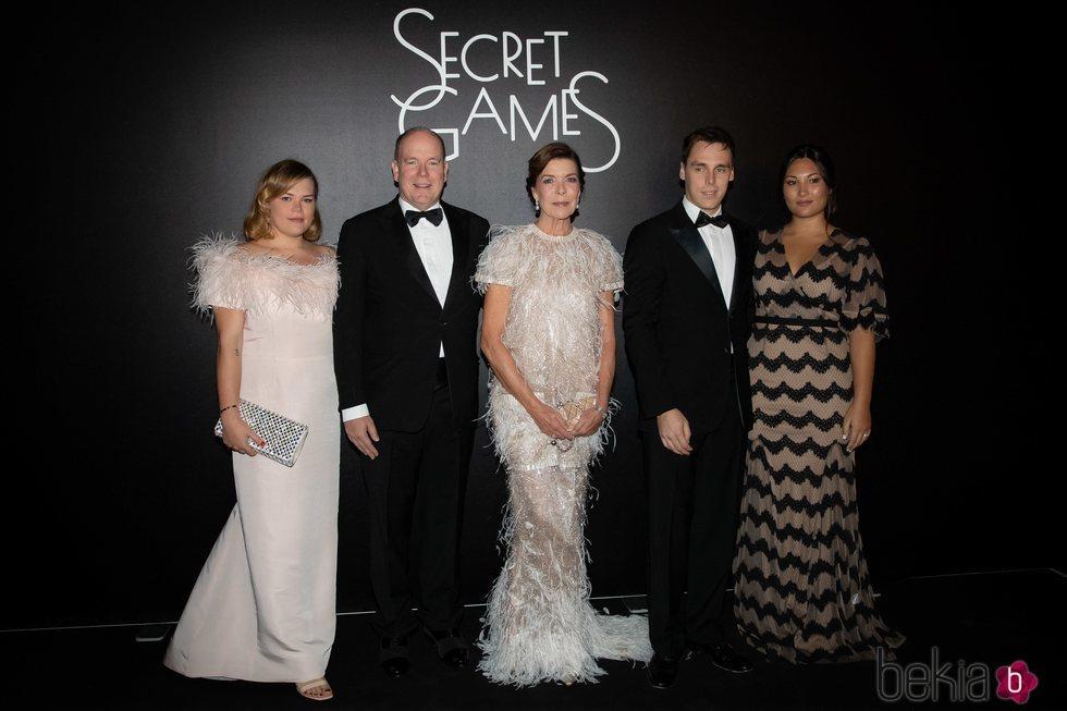 Camille Gottlieb, Alberto de Mónaco, Carolina de Mónaco, Louis Ducruet y Marie Chevallier en Secret Games