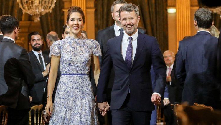 Federico y Mary de Dinamarca en una cena en París