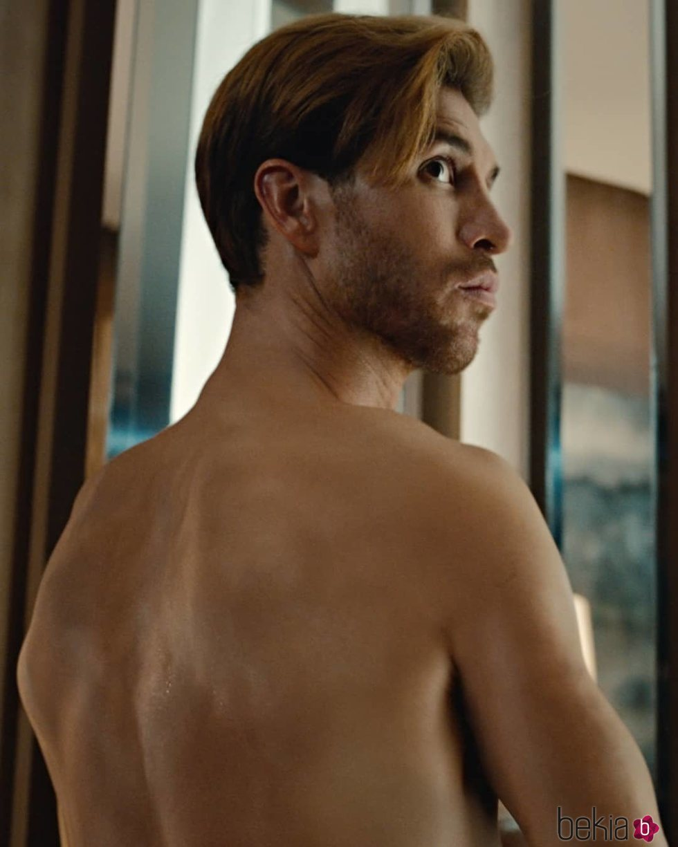 Sergio Ramos 'borra' todos sus tatuajes de su espalda