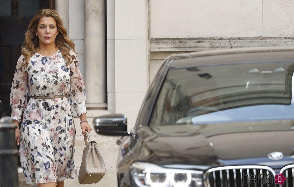 Haya de Jordania llegando a la Corte de Justicia de Londres