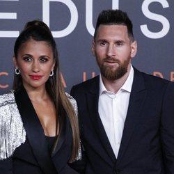 Leo Messi con Antonella Roccuzzo en el estreno de su espectáculo del Circo del Sol