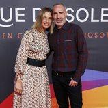 Martina Klein y Álex Corretja en el estreno del espectáculo de Leo Messi en el Circo del Sol