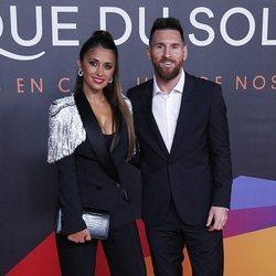 Antonella Roccuzzo con su marido Leo Messi en el estreno de su espectáculo del Circo del Sol