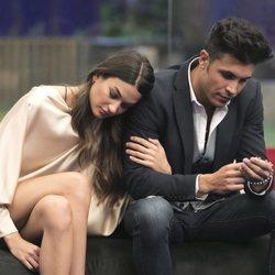 Estela Grande y Kiko Jiménez cabizbajos durante la sexta gala de 'GH VIP 7'