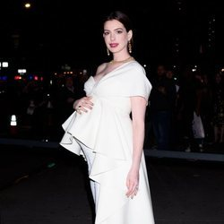 Anne Hathaway en la premier de 'Modern Love'