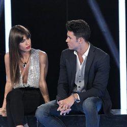 Sofía Suescun y Kiko Jiménez mirándose en la sala de expulsión durante la sexta gala de 'GH VIP 7'