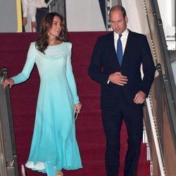 Los Duques de Cambridge llegando a su visita oficial en Pakistán