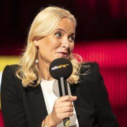 Mette-Marit de Noruega en su intervención en Radio Berlin-Brandenburg