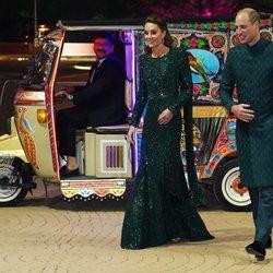 Los Duques de Cambridge en una cena de gala en Pakistán