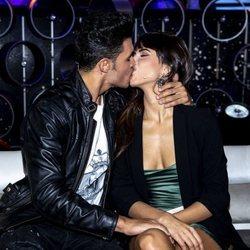 Kiko Jiménez y Sofía Suescun se besan en el quinto programa de 'Límite 48 horas'