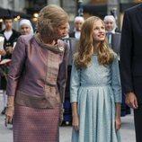 La Reina Sofía habla a la Princesa Leonor en los Premios Princesa de Asturias 2019