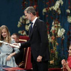 La Princesa Leonor y el Rey Felipe en los Premios Princesa de Asturias 2019