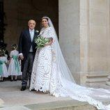 La Condesa Olympia de Austria junto a su padre en el día de su boda