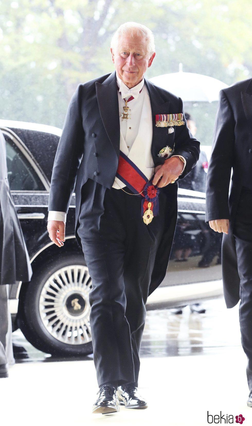 El Príncipe Carlos en la entronización de Naruhito de Japón