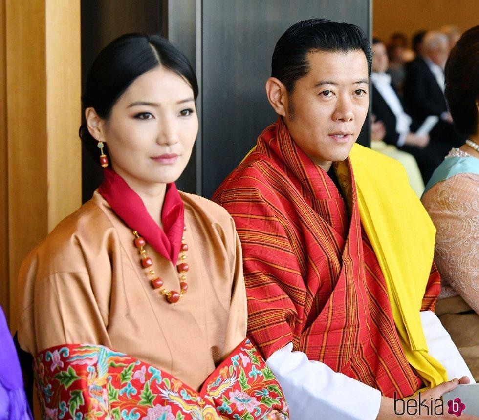 Los Reyes de Bhutan en la entronización de Naruhito de Japón