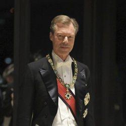 Enrique de Luxemburgo en la cena por la entronización de Naruhito de Japón