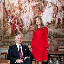 Isabel de Bélgica con Felipe de Bélgica en un posado por su 18 cumpleaños