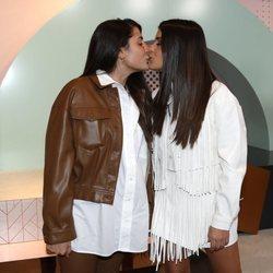 Dulceida celebra su 30 cumpleaños besándose con su mujer Alba Paul