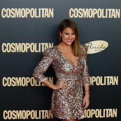 Mónica Hoyos en el photocall de los Premios Cosmopolitan 2019