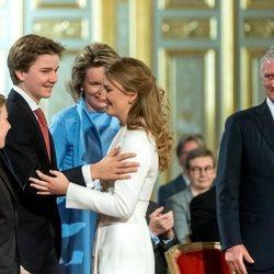 Isabel de Bélgica recibe la felicitación de sus padres y hermanos en su 18 cumpleaños
