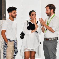 Alma Cortés junto a su novio en la Feria de la Moda de Sevilla