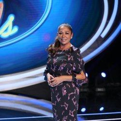 Isabel Pantoja posando en el plató de 'Idol Kids'