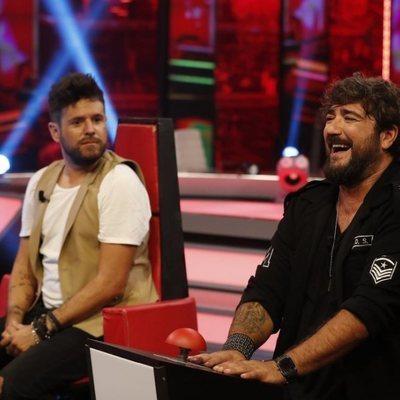 Antonio Orozco y Pablo López en los sillones de 'La Voz' pero en 'El Hormiguero'