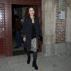 Vicky Larraz saliendo de la misa funeral de Margarita Seisdedos