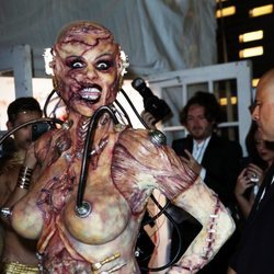 Heidi Klum disfrazada de alienígena en Halloween 2019