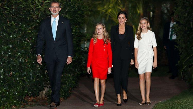 Los Reyes Felipe y Letizia, la Princesa Leonor y la Infanta Sofía a su llegada a los Premios Princesa de Girona 2019