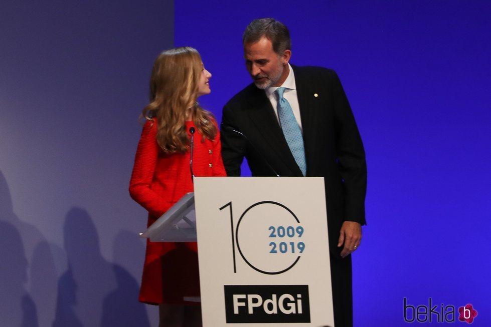 El Rey Felipe felicita a la Princesa Leonor por su primer discurso en los Premios Princesa de Girona 2019